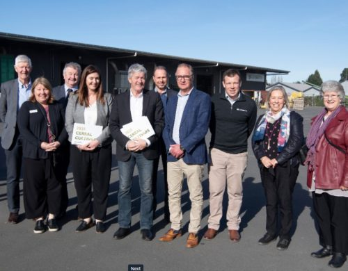 Minister of Agriculture visits Luisetti Seeds